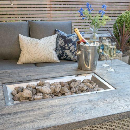 0193321-5510 Palma fire pit table detail lifstyle 4