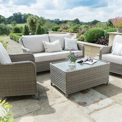 0195525-6009C Charlbuiry lounge set lifestyle